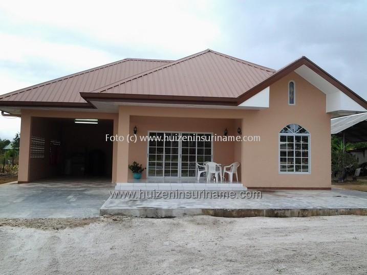 HUIZEN IN SURINAME/ Huizen in Suriname